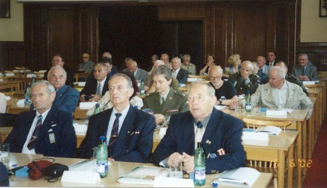 Časť delegátov z Oblastných klubov KVV SR  v priebehu seminára na sále Na Valech v Prahe.
