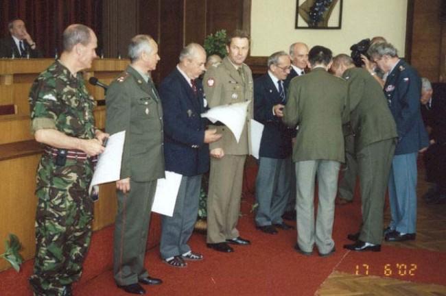Odovzdávanie čestných odznakov kolektívom aj jednotlivcom - vrátane pre KVV SR …