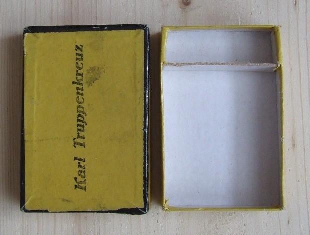 krabička k vyznamenaniu [foto: Ivan Chudý]