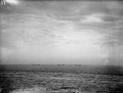 Invazní čluny čekají na povel k vylodění; Zdroj/Source: https://www.iwm.org.uk/collections/item/object/205186483, © IWM