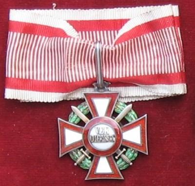 Vojenský záslužný kríž II. triedy s mečmi [Foto: Ivan Chudý]