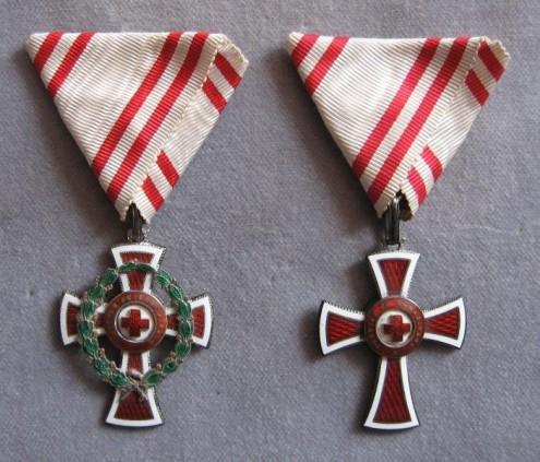 Kríž II. triedy Miniatúra dôstojníckeho kríža - reverzfoto: Ivan  Chudý