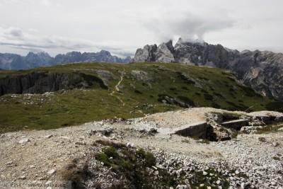 obr. 3 - Pohled od rakouských pozic na jižní vrcholovou kupu