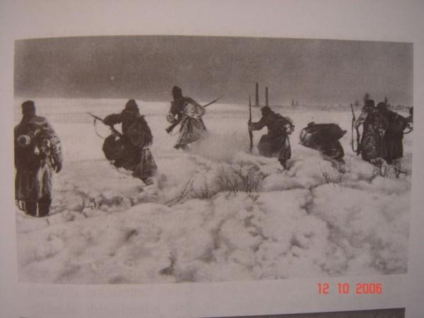 Rakusko-uhorski vojaci vyrazaju do utoku 1914-1915